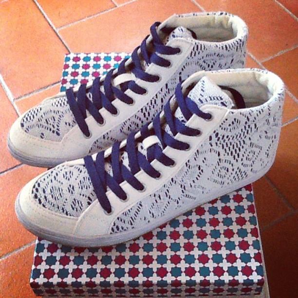 even&odd-sneakers