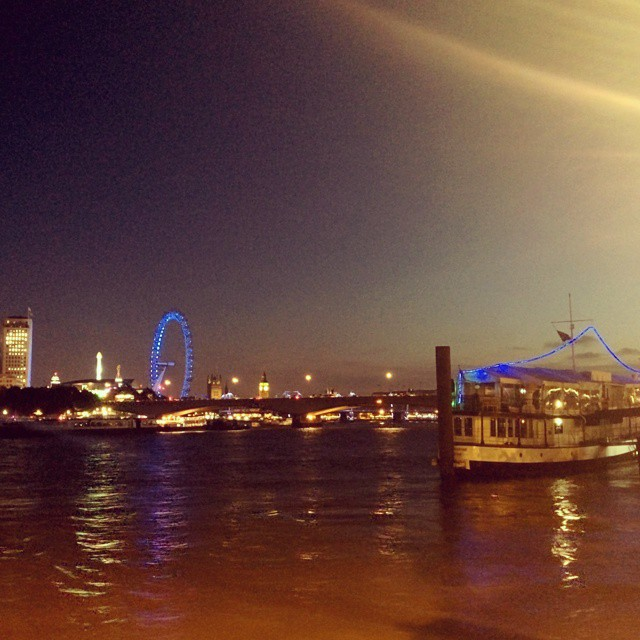 london-eye-by-night
