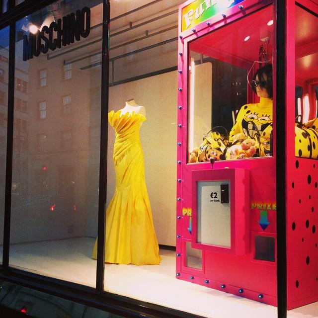 moschino-window-store-summer-2014