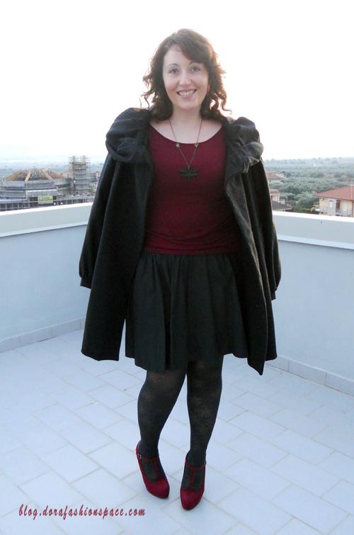 Outfit vestito bordeaux dora fashion space fashion and lifestyle