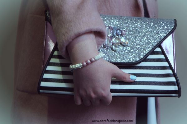 jewellery clutch outfit