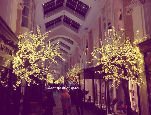 piccadilly arcade christmas lights 2016