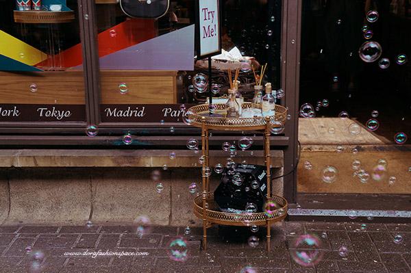 soap bubbles in london