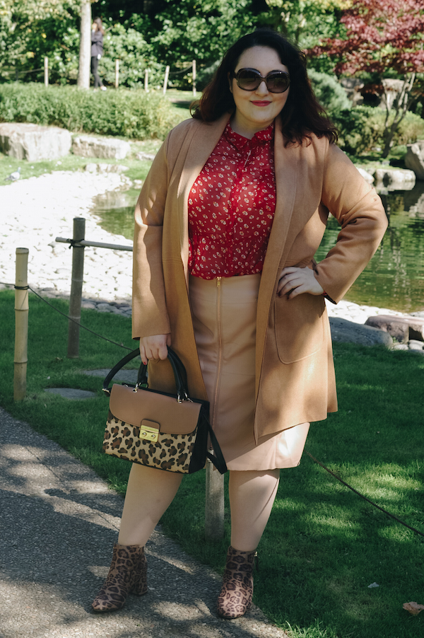 How to style red with camel