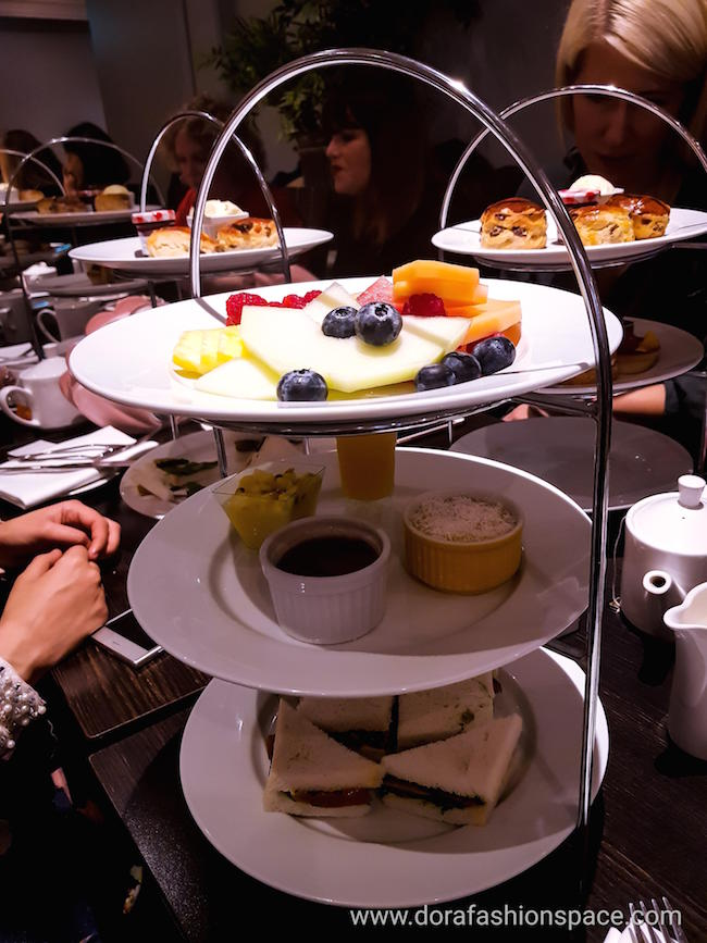Kensington Hilton Hotel afternoon tea review