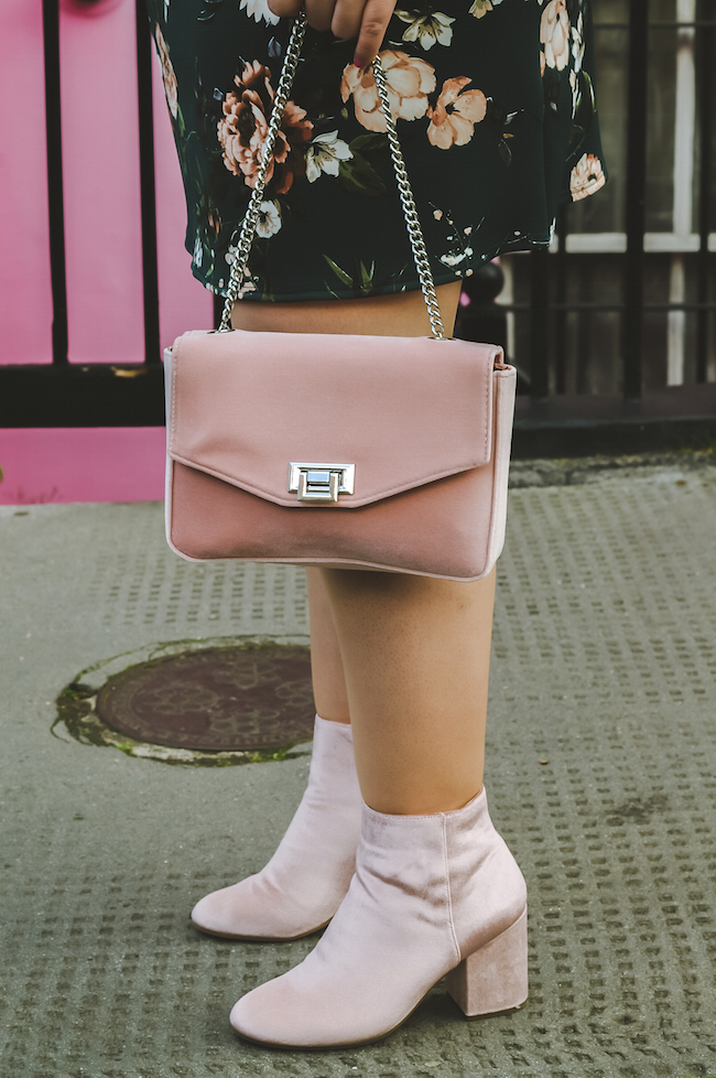 velvet pink boots outfit